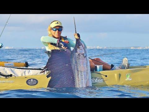 Ocean KAYAK Fishing - girl catches GIANT SAILFISH in the deep sea!