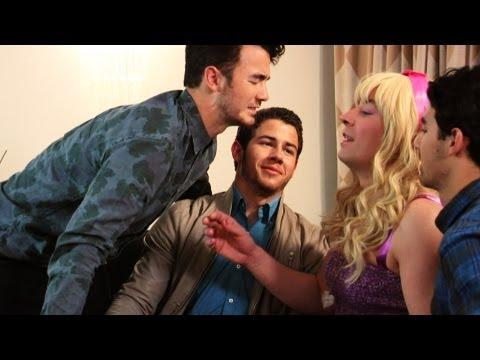 Jonas Brothers Meet Their #1 Fan (Late Night with Jimmy Fallon)