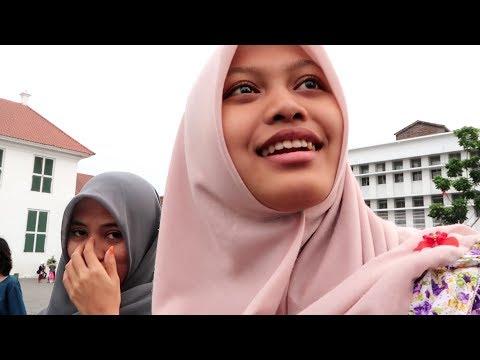 Xxx Mp4 Jakarta Indonesia Taking Selfies With Locals 10 7 17 VLOG 3gp Sex
