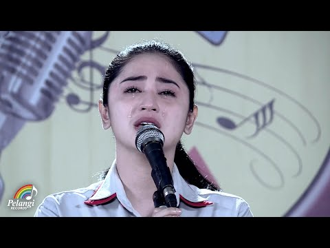 Xxx Mp4 Dangdut Dewi Perssik Indah Pada Waktunya Official Music Video Soundtrack Centini Manis 3gp Sex