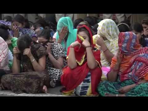 Xxx Mp4 NAGPUR RAID IN RED LIGHT AREA GANGA JAMUNA नागपुर के गंगा जमुना में छापा 92 महिला को पकड़ा 3gp Sex