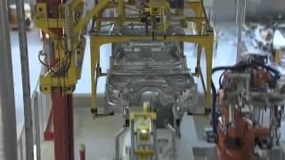 BMW 3 Series  بواسطة الانسان الالي BMW خطوات تصنيع السيارة