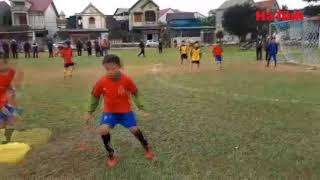 """Video:  """"Thần đồng"""" bóng đá Hà Tĩnh đá bóng như Messi"""