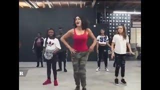 Persian Dance - معلم رقص ایرانی در کلاس رقص امریکایی