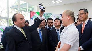 PM Nguyen Xuan Phuc evaluates BPHONE AS VIETNAMESE PRIDE