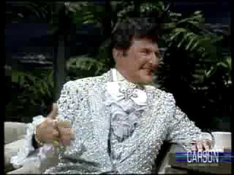 Xxx Mp4 Liberace Reveals His Love For Soap Operas On Johnny Carson S Tonight Show 3gp Sex