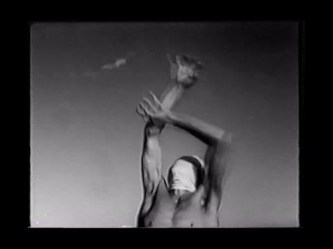 細江英公 / 「へそと原爆」 (1960)