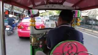Toni da Macedônia num Tuk-Tuk em Bangkoc, Tailândia