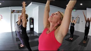 Sweat in the City   Real Hot Yoga   from RUNNING Broadcast Series