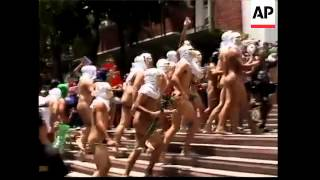 Students in naked run to mark university's anniversary - 2008