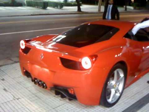 Ferrari 458 Italia Primeiro flagra no Brasil de uma belíssima esticada