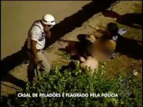 CASAL TRANSANDO EM PLENO NO CARNAVAL DE SALVADOR PM ATRAPALHA