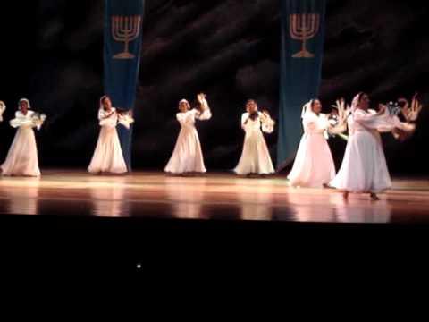 Asi Como David Danzaba Tambourine Dance Encuentro de Adoradores 09