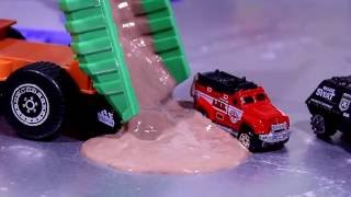 Police Car Wash | videos For Children | videos for kids | police cars in the mud