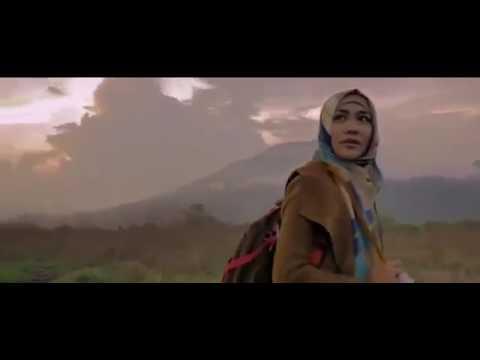 Jilbab Traveler : Love Spark in Korea (2016) film indo