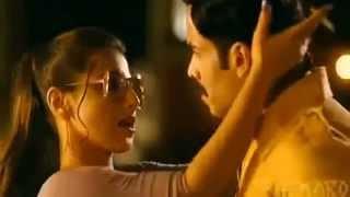 Vidya Balan kissing Tushar Kapoor unseen hot sexy video 2014