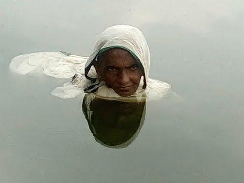 Bu Kadın 20 Yıldır Suyun İçinde Yaşıyor. Nedeni Öğrenince Şok Olacaksınız.