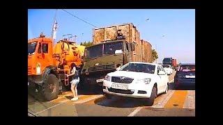 حوادث سير مميتة خطيرة وعنيفة (سيارات شاحنات دراجات وأشخاص) #03