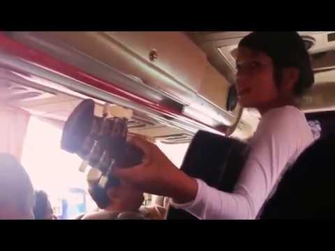 Xxx Mp4 Awalnya Pada Cuek Sama Pengamen Cantik Ini Pas Dia Nyanyi Satu Mobil Bus Pada Kagum Sama Suaranya 3gp Sex