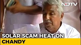 Pinarayi Vijayan Orders Probe Against Oommen Chandy In Solar Scam Case