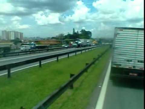 ACIDENTE VIA DUTRA KM 209 Guarulhos. 23 de janeiro de 2012 Hs 13 18 28