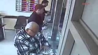 döviz bürosundaki hırsızlık kamerada