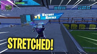 Playing Fortnite Mobile STRETCHED // GALAXY Skin Gameplay // Tips + Tricks