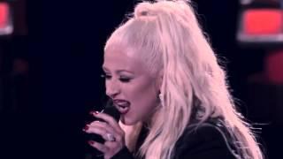 Christina Aguilera Sings