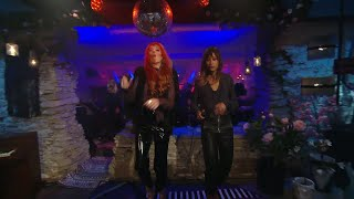 Icona Pop – They're building walls around us - Så mycket bättre (TV4)