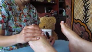 ASMR en español REFLEXOLOGIA masaje en los pies  SUSURROS PARA DORMIR Y ELIMINAR EL ESTRES