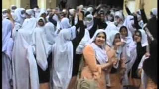ٹو بہ ٹیک سنگھ ٹیچرکی مبینہ ز د یا تی  طالبا ت کا احتجاج
