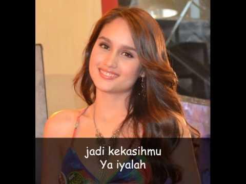 cinta laura - ya iyalah (lirik) Mp3