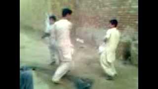 Funny fight. (PAK).3gp inshant malkani