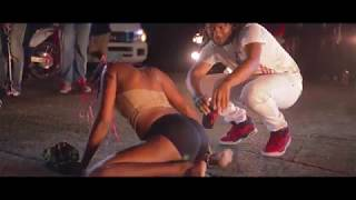 Freezy - SPLIT IN DI MIDDLE (Official Music Video)