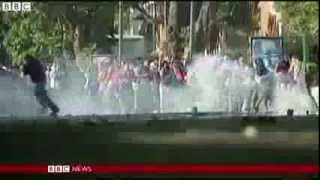 Venezuelan Protestors Swell Into The Thousands Amid Economic Collapse