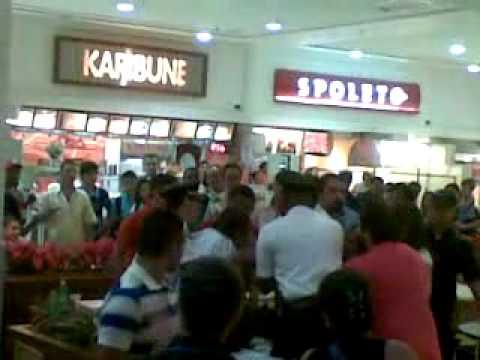 Briga de mulheres no Shopping Nova América