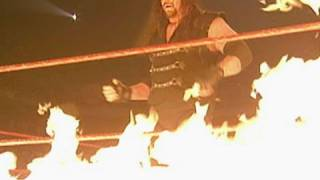 The Undertaker and Kane take part in the first ever Inferno