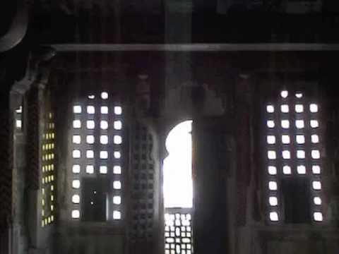 India Palace ઝીણવટથી તપાસ કરનારું