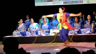 Khorobayu Boy Bege - Tagore Song - Dance