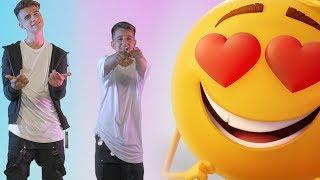 Emoji (La Película) - Adexe & Nau (Videoclip Oficial)