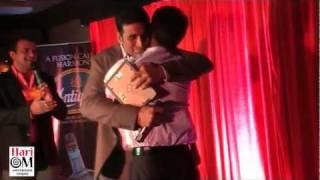Akshay Meets Childhood Friend