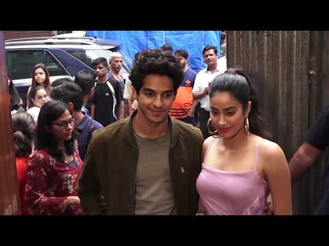 Xxx Mp4 Jhanvi Kapoor S Boyfriend Ishan SHOUTS At Her In Public For Wearing Uncomfortable Clothing 3gp Sex