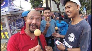 Jakarta Street Food 4297 Tahu Bulat Yang Asli Mantap Sudah CFD Sudirman YDXJ0810