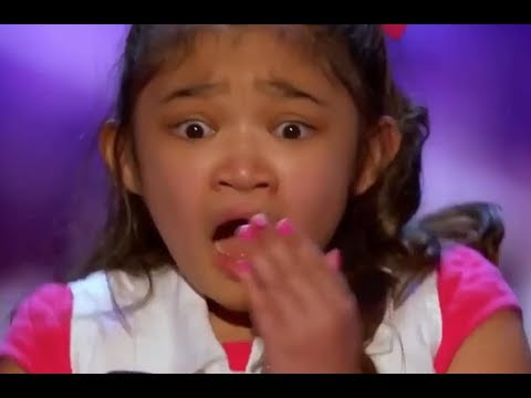 Xxx Mp4 Little Girl SHOCKED Starts To CRY After She Gets America S Got Talent 3gp Sex