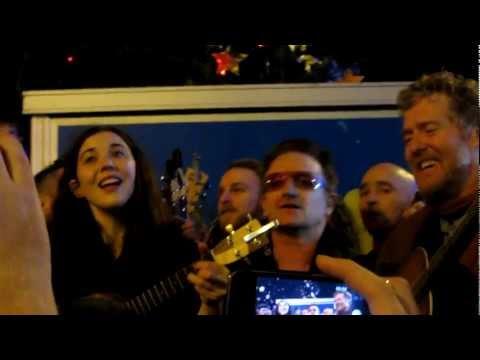 Lisa Halligan Bono & Glen Hansard singing on Grafton St Dublin Xmas eve 2012