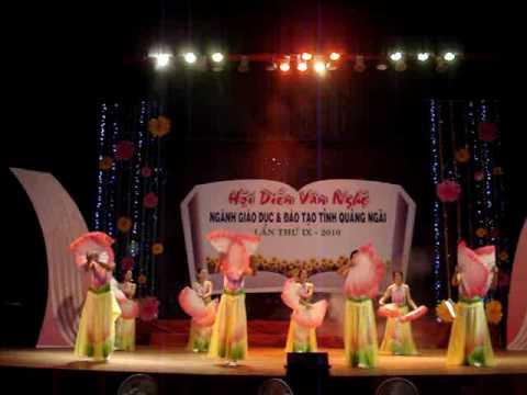 Mua Nguoi ve tham que THPT Pham Kiet Quang Ngai.wmv