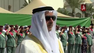 سمو الشيخ سيف بن زايد يرفع علم الامارات احتفالا بيوم العلم
