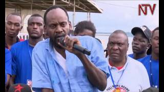 Ataakulaba: Abayimbi tebalabiseeko okusondera mamuli katumba