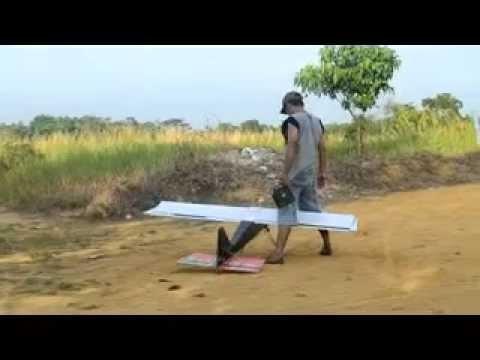 pesawat dengan mesin pemotong rumput dari bungo