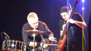 Queen + Paul Rodgers - Roger Taylor's Bass Solo (15.09.2008, Olympijskiy Stadium, Moscow, Russia)
